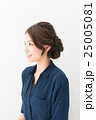 ファッション 女性 アップスタイルの写真 25005081