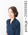 ファッション 女性 アップスタイルの写真 25005082