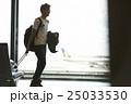 人物 男性 空港の写真 25033530