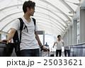 男性 1人 空港の写真 25033621