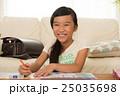 勉強する女の子 25035698