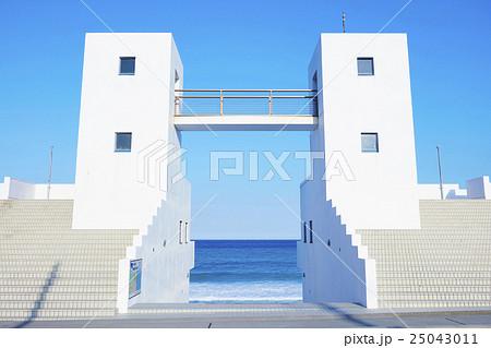 羽伏浦海岸 白い建物 メインゲート 25043011