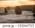 オーストラリア 奇岩群 夕方の写真 25044753