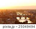 フィレンツェ ヴェッキオ橋 夕景の写真 25049494