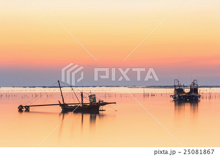 fishing boat  for finding fish in sunset 25081867