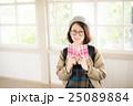 読書 女性 ポートレート 25089884