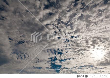まだら模様の雲 25095670