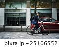 ビジネスマン サイクリング 25106552