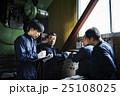 人物 男性 町工場の写真 25108025