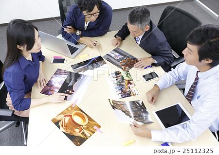 パンフレット写真決め、広告代理店 、編集部、広告制作会社、旅行代理店 25112325
