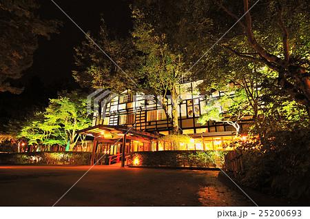 万平ホテル(エントランス夜景) 25200693
