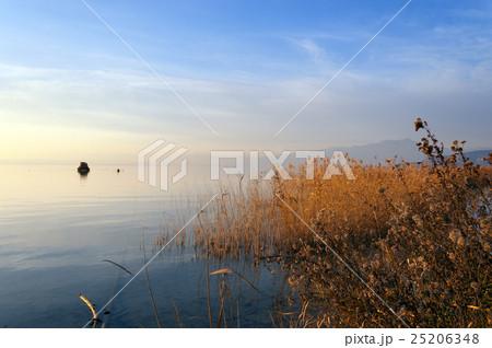 Garda Lake in Winter - Italy 25206348