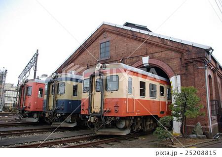 糸魚川レンガ車庫 ディーゼルカー(横) 25208815