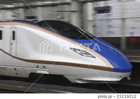 北陸新幹線E7系流し撮り 25219212