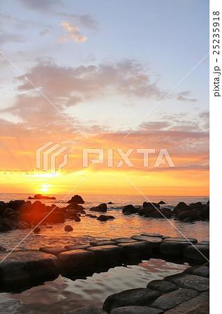 北海道 水無海浜温泉の夜明け 25235918