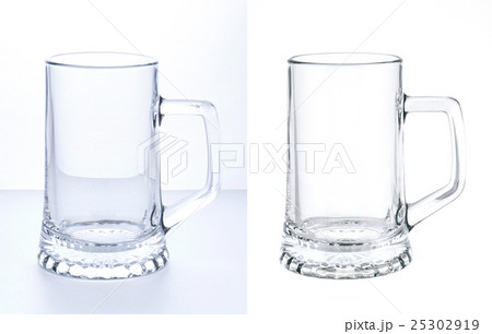 Empty beer mug isolated on white backgroundの写真素材 [25302919] - PIXTA