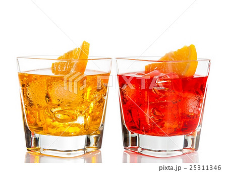 red and yellow cocktail with orange slice on top isolated on white backgroundの写真素材 [25311346] - PIXTA