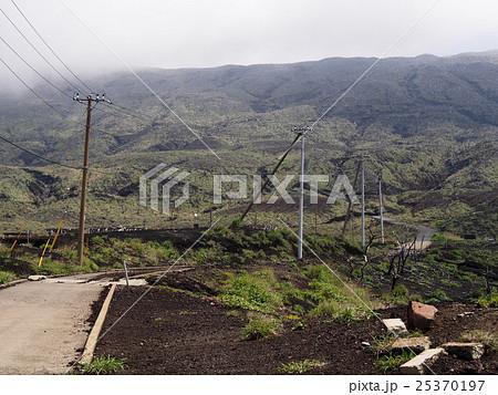 三宅島 噴火で被災した道路 25370197