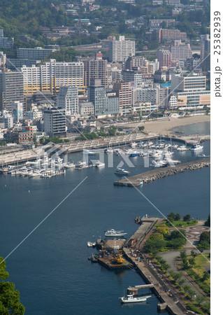 熱海港と熱海市の写真素材 [2538...