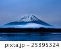 精進湖と富士山 25395324