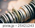 ファイナンスイメージ コインの束 25421243