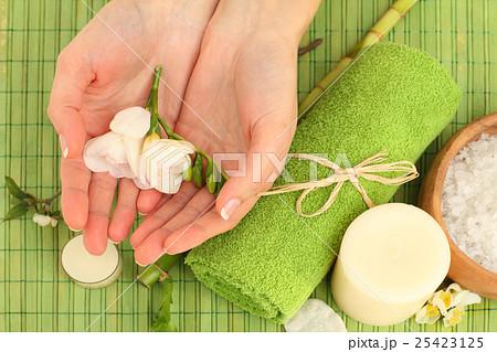 Manicure - hands with natural nailsの写真素材 [25423125] - PIXTA