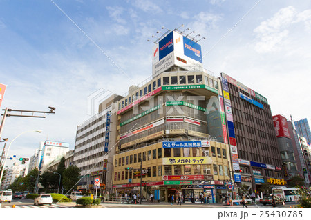 高田馬場駅前、早稲田通り 25430785