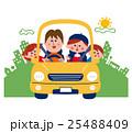街をドライブする家族 25488409