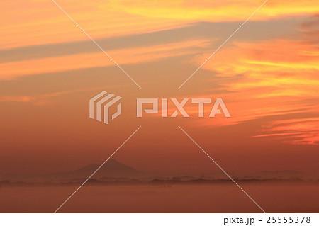 渡良瀬遊水地の夜明け 25555378