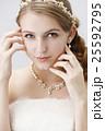 ブライダルビューティーショット 白人女性 ナチュラルメイク 25592795