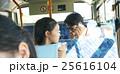 バス通勤 ビジネスマン 25616104