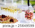 ワイン ガラス製 グラスの写真 25649599