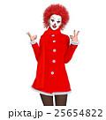 ピエロメイクの女性 25654822