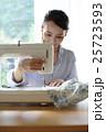 女性 洋裁 裁縫の写真 25723593