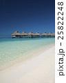 ボラボラ島の水上コテージ 25822248