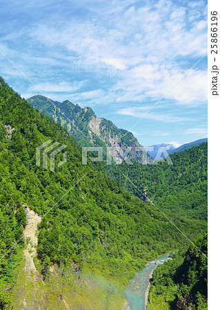 夏の北アルプス山岳風景 【長野県】 25866196