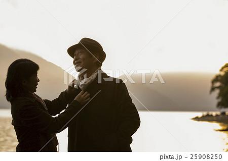 熟年夫婦 旅行イメージ 25908250