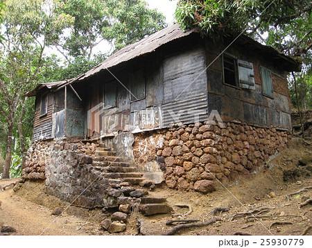 シエラレオネ共和国の首都フリータウンの郊外にあるクリオの家 25930779