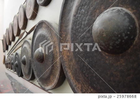 different kind of traditional gongs instrumentの写真素材 [25978668] - PIXTA