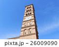 パサデナにある古い教会の時計塔 26009090
