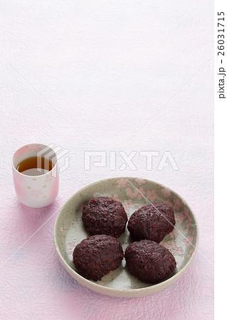 おはぎ(ぼた餅)とお茶 26031715