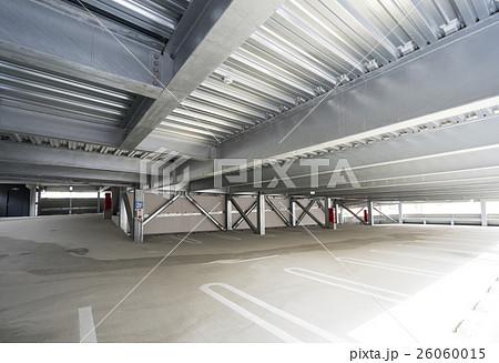 立体駐車場めっき仕上の鉄骨柱と梁 26060015