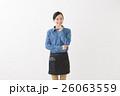 カフェ スタッフ 女性の写真 26063559