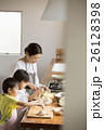 親子 母親 子供の写真 26128398