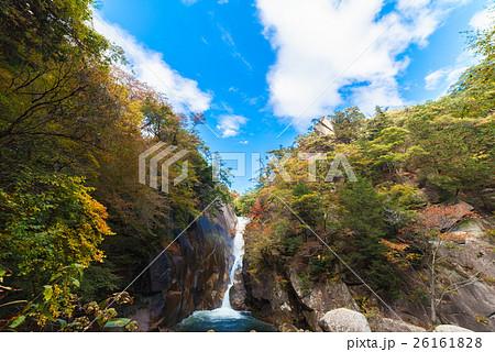 【山梨県】昇仙峡 仙娥滝の紅葉 26161828