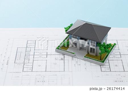 住宅図面と家 26174414
