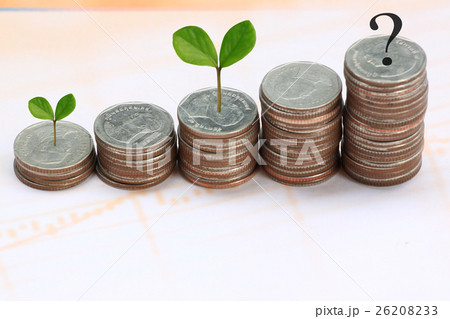 young plant grown to stack silver coin in business growth concept.の写真素材 [26208233] - PIXTA