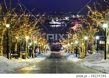 函館・元町の八幡坂の夜景 26235784