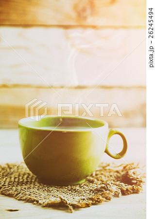 hot smoke coffee on wood table backgroundの写真素材 [26245494] - PIXTA