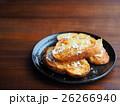 バケットパンでフレンチトースト(粉砂糖と蜂蜜がけ) 26266940